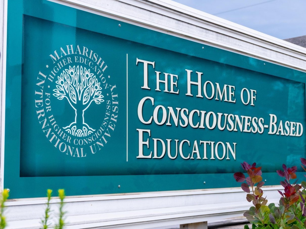 Међународни универзитет Махарисхи дом је образовања заснованог на свести